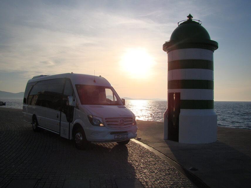 1Minibus - Mercedes Sprinter